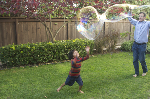 Giant Bubbles DIY